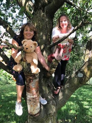 Minimutz Crew auf dem Baum